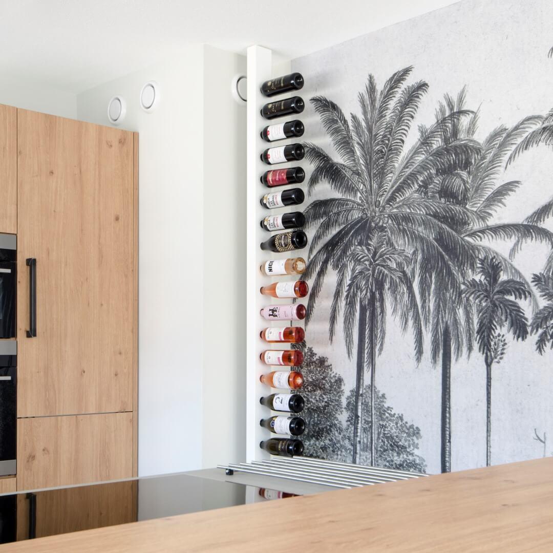 Wijnpaal wijnrek woonkamer wit