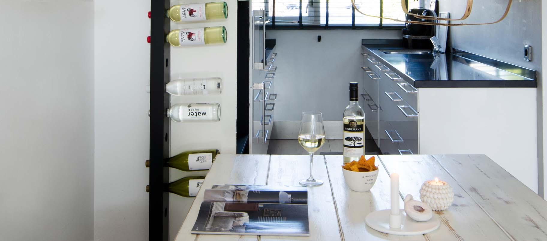 Wijnpaal wijnrek keuken Vanessa Ploeg